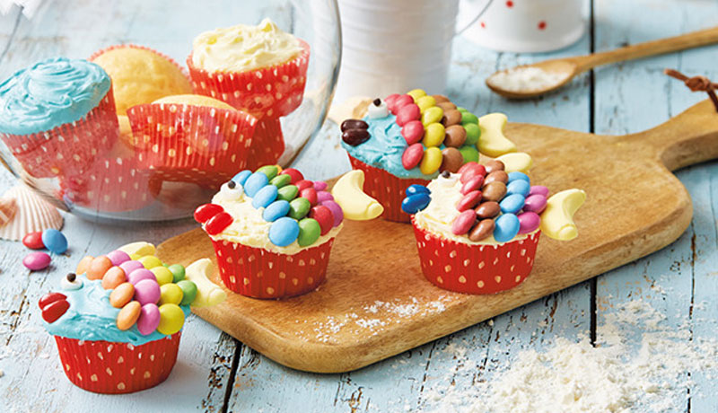 Fish Shaped Vanilla Cupcakes - Recipes - Betty Crocker UK